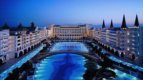 «Мардан Палас» — самый розкошный отель Турции