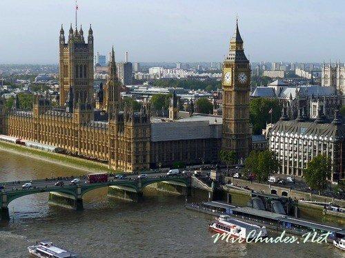 Биг Бен (Big Ben) — самый большой из шести колоколов часовой башни Вестминстерского дворца в Лондоне