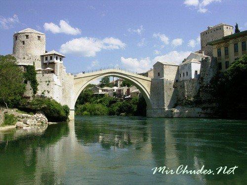 Старый мост (Stari most) — мост через реку Неретву в городе Мостар.