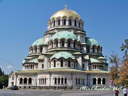 Кафедральный собор Св. Александра Невского - главная достопримечательность столицы Болгарии