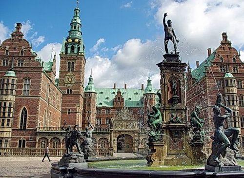 Копенгаген — без сомнения, первая остановка большинства путешественников, прибывающих в Данию