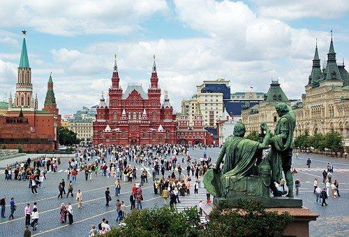 Красная площадь в Москве — любимое место в столице не только гостей, но и москвичей