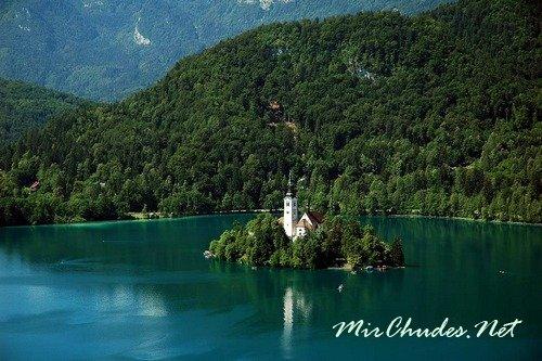Великолепные озера не и горные вершини Словении не оставят равнодушными любителей природы