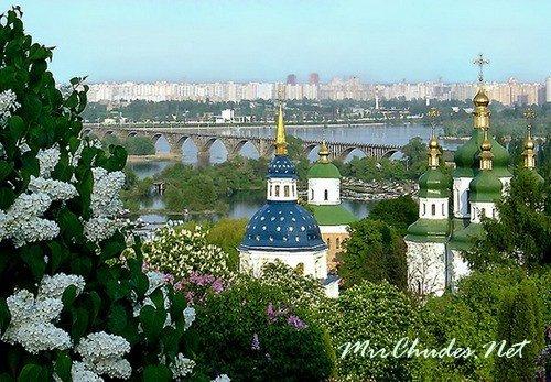 Киев — древний город на реки Днепр, являющийся не только столицей Украины, но и колыбелью Киевской Руси