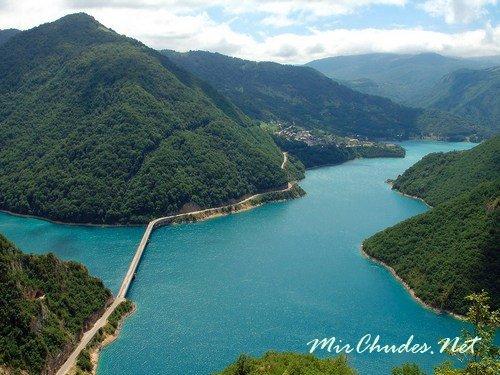 Черногория — очень красивая страна, почти вся территория которой находится под защитой ЮНЕСКО.
