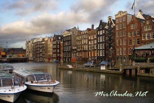 Нидерланды — это страна ветряков, тюльпанов и замечательного сыра.