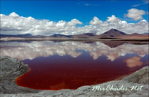 Красивые марсианские пейзажи загадочной Лагуны Колорадо (Боливия).