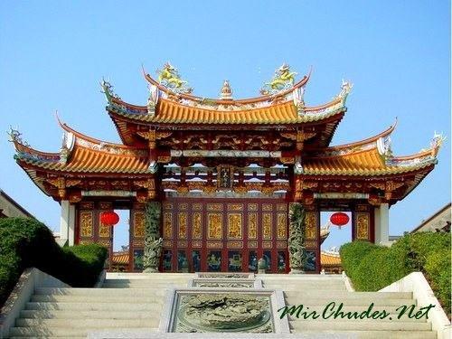 Храм А-Ма — самая древняя достопримечательность Макао.