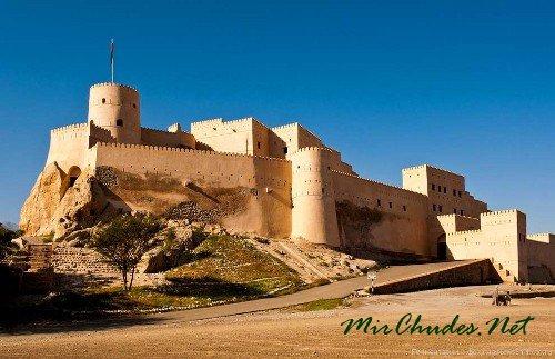 Форт Нахаль — самая сохранившаяся историческая крепость Омана.