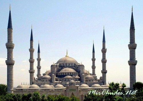 Голубая мечеть или Мечеть Султанахмет — одна из самых красивых мечетей Стамбула.