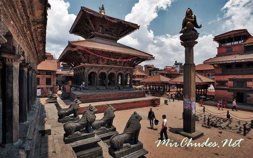 Дворцовая площадь в Катманду.
