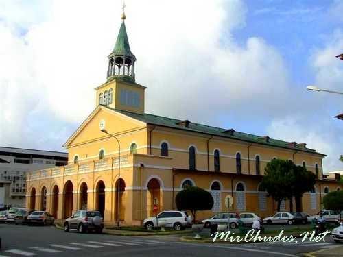 Кафедральный собор Сен Совер в Кайенне — столице Французской Гвианы.