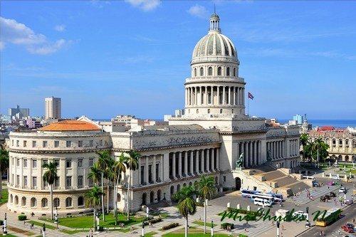 Капитолий в центре Гаваны — столице Кубы.