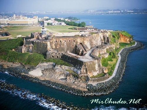 Форт Сан-Фелипе дель Морро, расположенный в самой северо-западной точке Пуэрто-Рико.