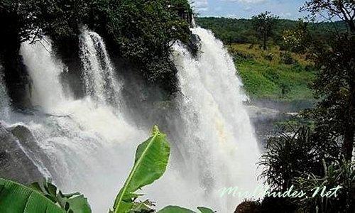 Неотразимые Водопады Буали в Центральноaфриканской Республике на реке Мбари.