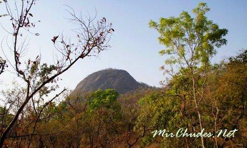 Горы Малфакасса-Фасао — являются составной частью Национального парка Фасао-Малфакасса.