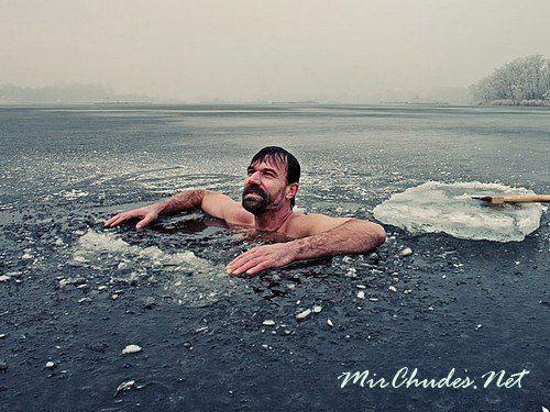 Wim Hof - человек который не боится холода.