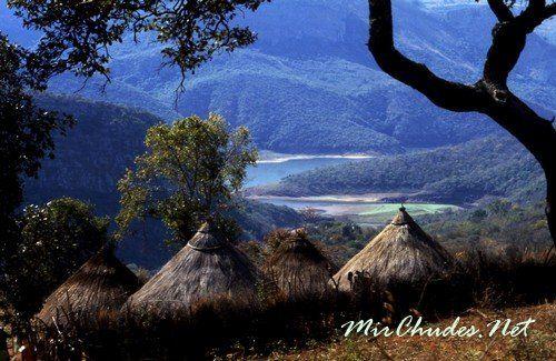 Воду из Озера Фундудзи местные жители считают заколдованной — ее нельзя унести с собой.