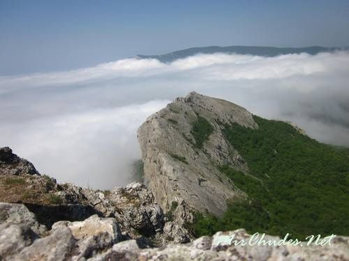 Вид с Ильяс-Кая в облачный день.