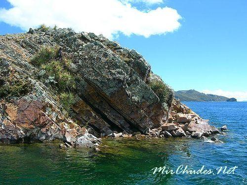 На озере Титикака есть более тридцати островов.