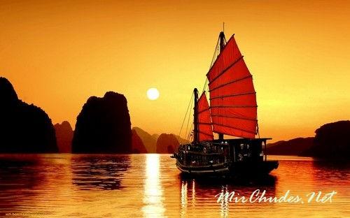 Закат в бухте Ха-Лонг