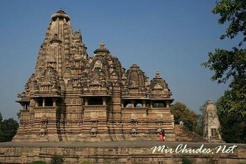 Кандарья-Махадева — самый большой храм Кхаджурахо.