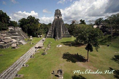 Центральная площадь Тикаля — самого большого города Майя