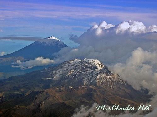 Попокатепетль и Истаксиуатль — две вершины, объединенные вулканическим поясом и легендами.