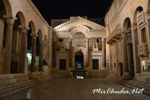 Дворец Диоклетиана — главная достопримечательность города Сплит.