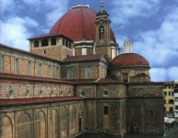 Фасад и Новая сакристия церкви Сан-Лоренцо