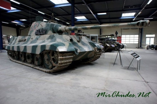 Tiger II, один из немногих оставшихся на ходу, гордость музея.